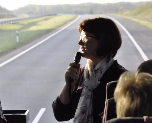 Kelionė - tai daugiau nei vienos dienos išvyka, kuriai reikalinga transporto priemonė, apgyvendinimo, maitinimo paslaugos. Kelionės gali būti organizuojamos tiek šalyje, tiek už jos ribų. Siūlau kelionės vadovo paslaugas šiose šalyse: Lietuva, Latvija, Estija, Švedija, Suomija, Danija, Vokietija, Lenkija, Austrija, Šveicarija, Čekija, Prancūzija, Italija, Kreta, Kipras.